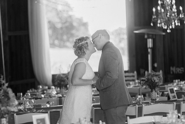 Rivercrest Farms Wedding Photos - Dover Ohio Wedding Photographer_0124